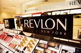 «Revlon» покупает бренд «Elizabeth Arden» за $870 млн.